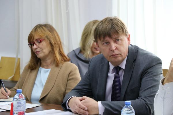 В «Единой России» запустили «Школу здоровья» для пожилых людей