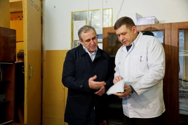 Сергей Неверов: Я дал обещание жителям Смоленской области, что медицинский автопоезд будет регулярно приезжать в районы