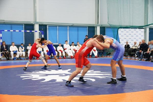 Ольга Окунева поздравила спортивную школу с юбилеем